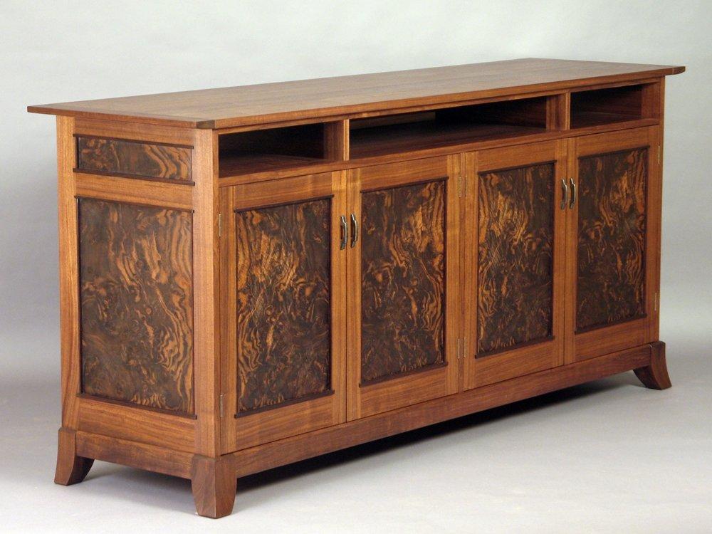 Etergino Cabinet.jpg