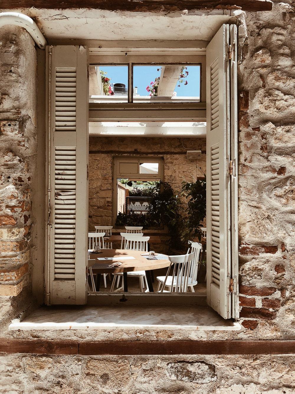 Carnet Sauvage - Blog voyage Crète, restaurant Xalavro Open Bar Heraklion