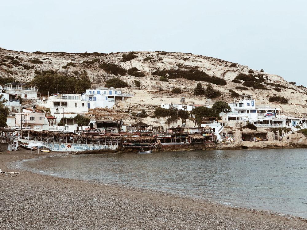 Carnet Sauvage - Blog voyage Crète, restaurant Akuna Matata, Matala
