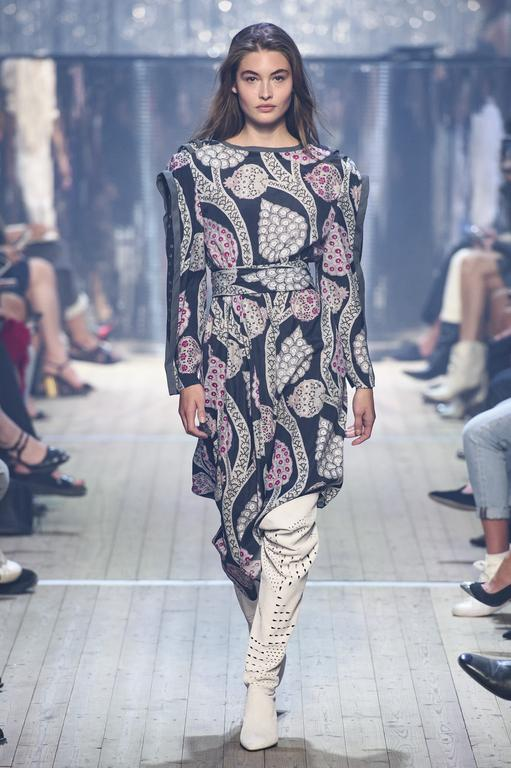 defile-isabel-marant-printemps-ete-2019-paris-look-24.jpg
