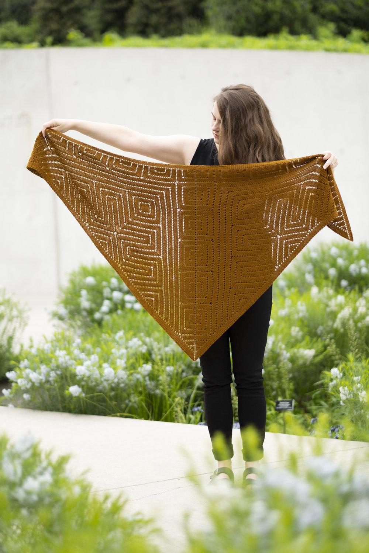 ORTHOGONAL  shawl