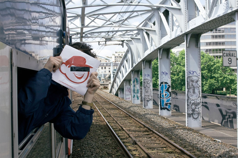 015_mikeyheath_train_face_WellDressedVandals