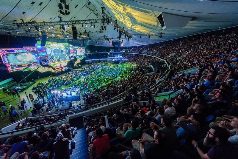 StarCraft_2_Stage_BlizzCon_2014.jpg