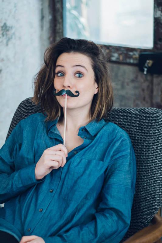 margaux-beaunez-la-moustacherie-big-moustache-2_1_orig.jpg