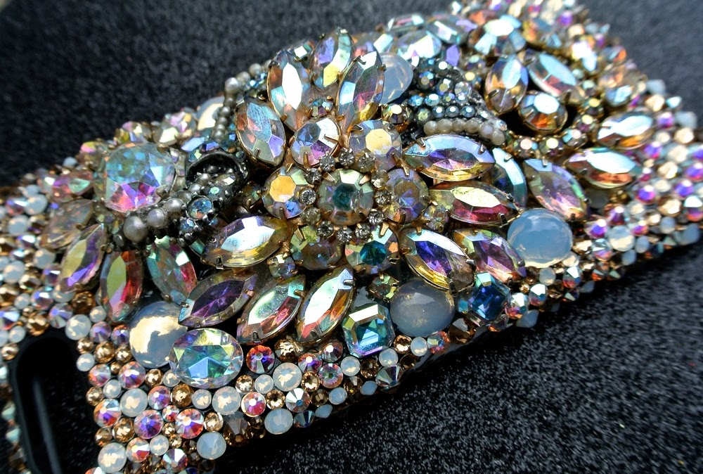 handcrafted-swarovski-iphone6-case-Danielle-11.12.15.JPG