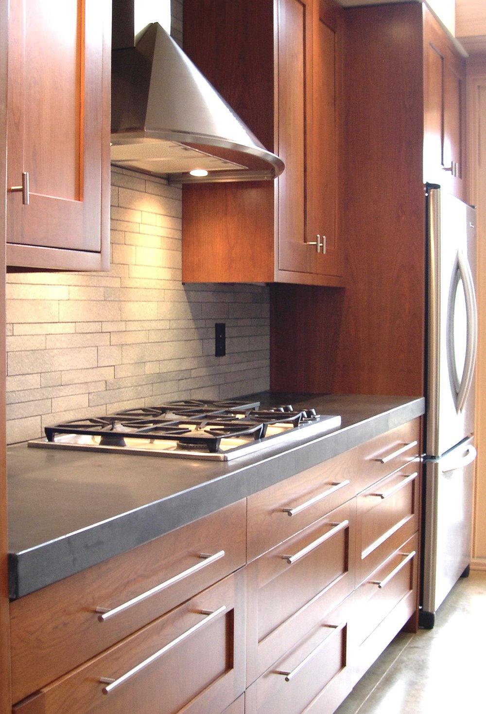 HR Int kitchen2.jpg