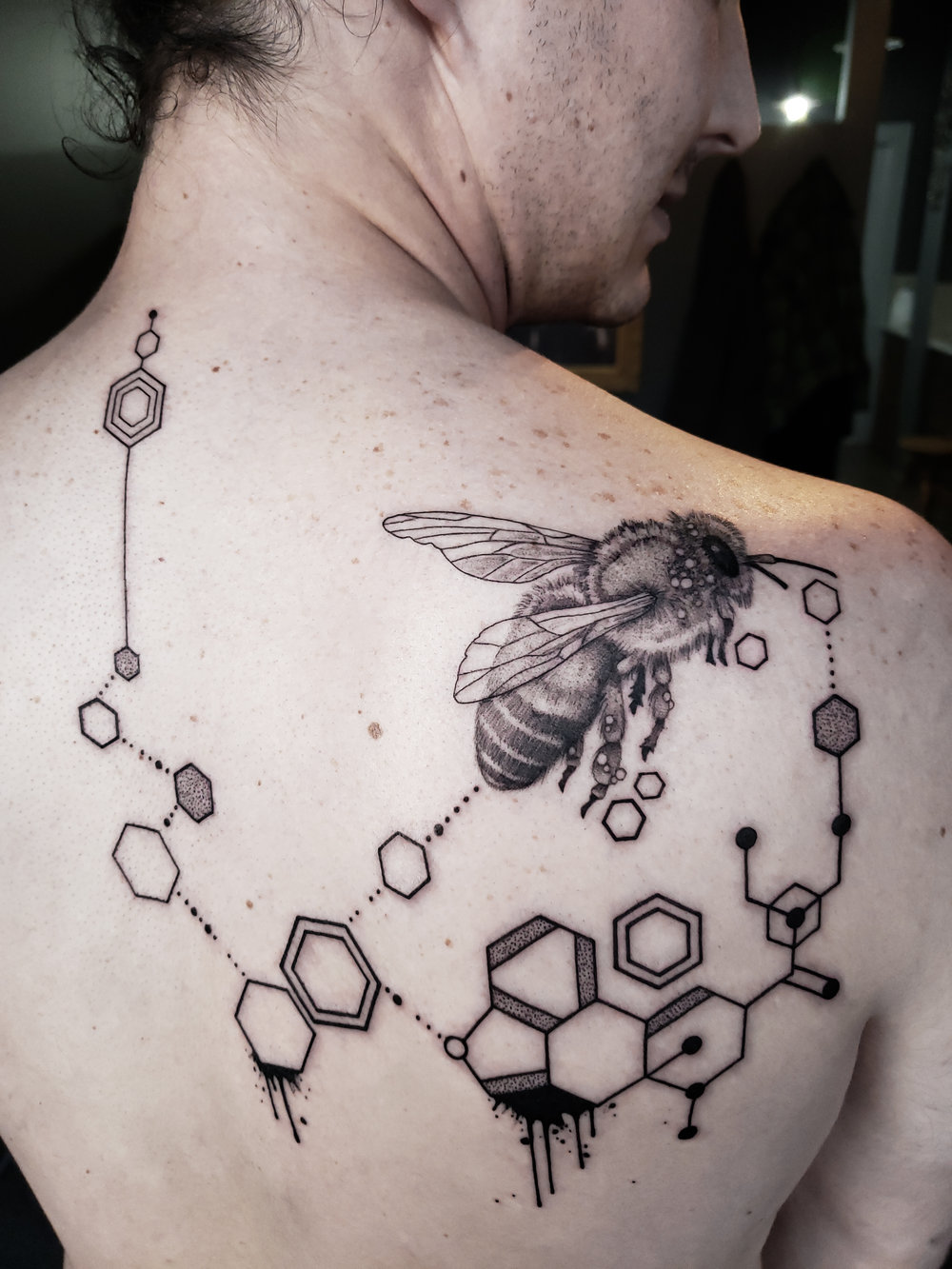 Geometric-Bee-Tattoo.jpg