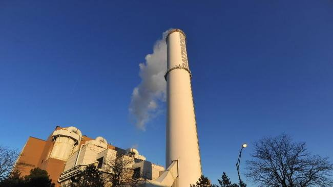 The existing BRESCO trash-burning incinerator facility in Baltimore, MD.