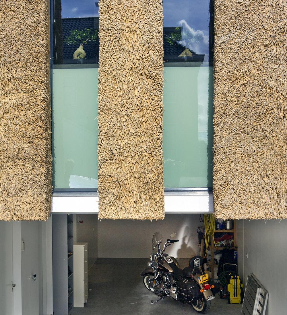 16-modern-rieten-dak-VOOGT-rietdekkers-Delft.jpg