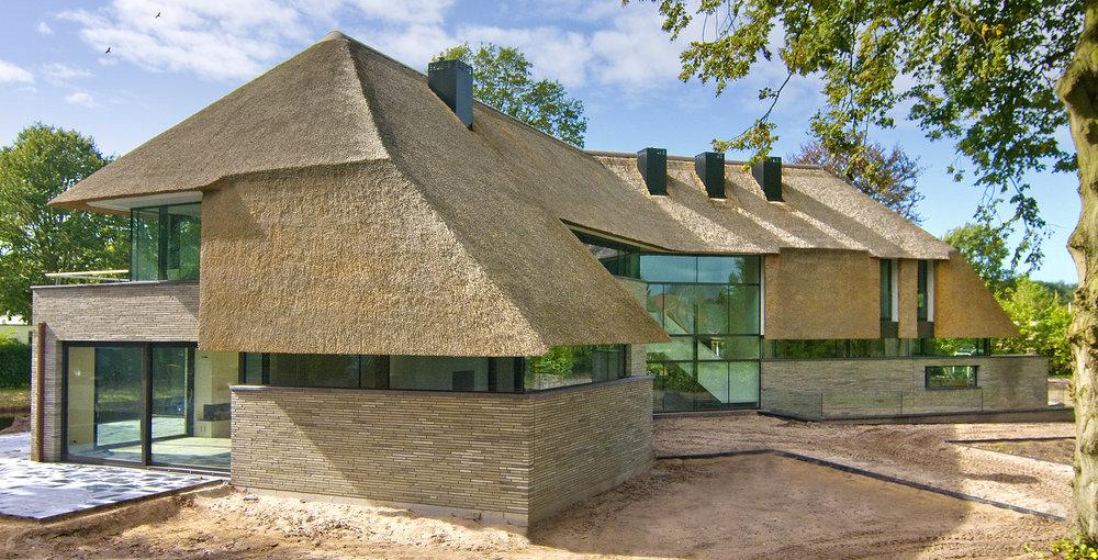 10-modern-rieten-dak-VOOGT-rietdekkers-Delft.jpg