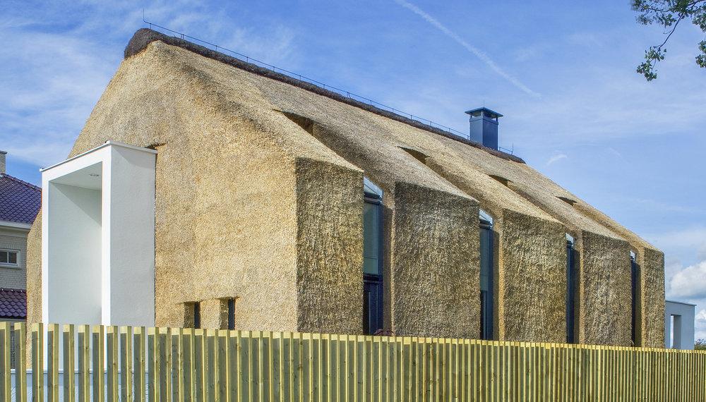 13-modern-rieten-dak-VOOGT-rietdekkers-Delft.jpg