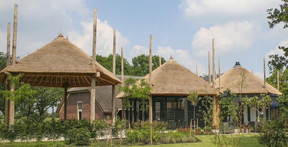 24-klassiek-rieten-dak-VOOGT-rietdekkers-Delft.jpg