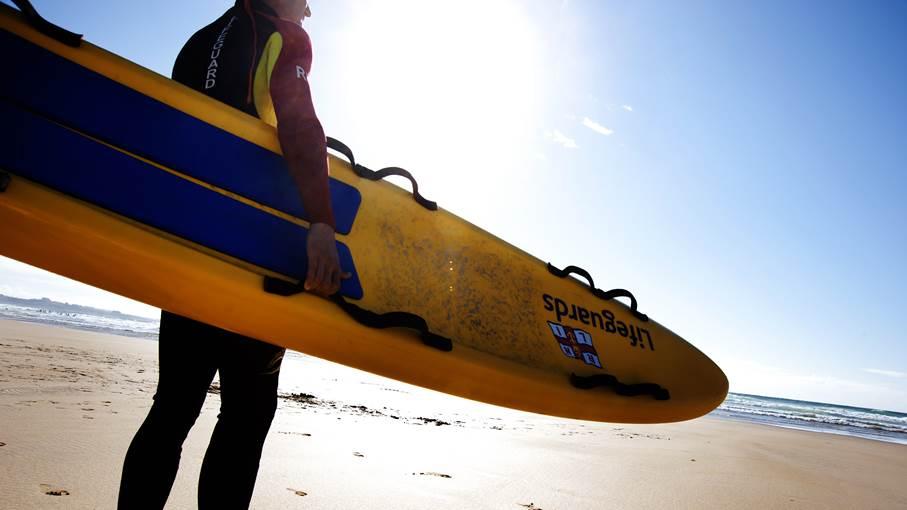 Lifeguard-with-board-31454-16x9.jpg