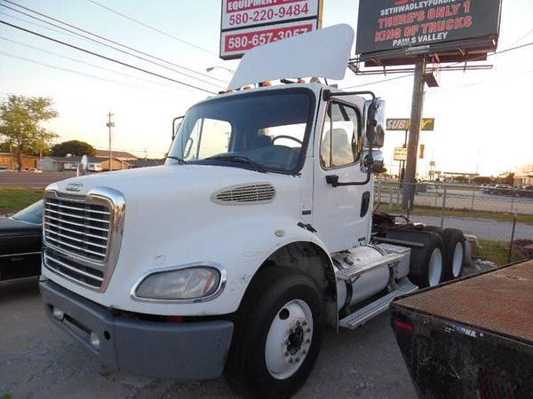 2009 Freightliner Day Cab . . . . . . . . . . . . . #truckerslife #trucksforsale #oklahoma #lonegrove #trucker #freightliner #2018 #sales