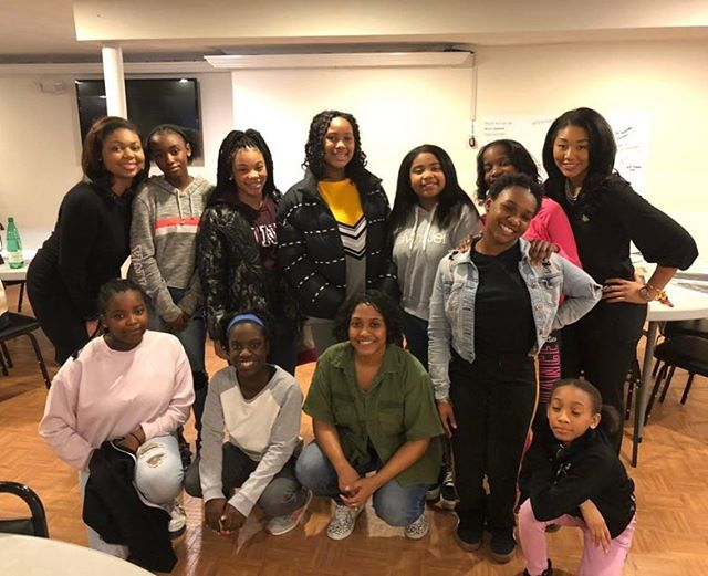 We kicked off women's history month with a special Harlem Renaissance Theatre Arts workshop with the lovely ladies of @iccpgc 🧚🏾♀️ #artseducation #theatre #nonprofit #artsed #blackgirlmagic #girlsleadership #diversity #storytelling #artseducationmatters #girlsempowerment