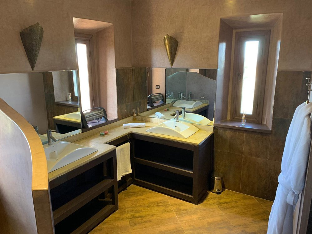OUR ROYAL WELLNESS SUITE - EXTENDED EN SUITE BATHROOM
