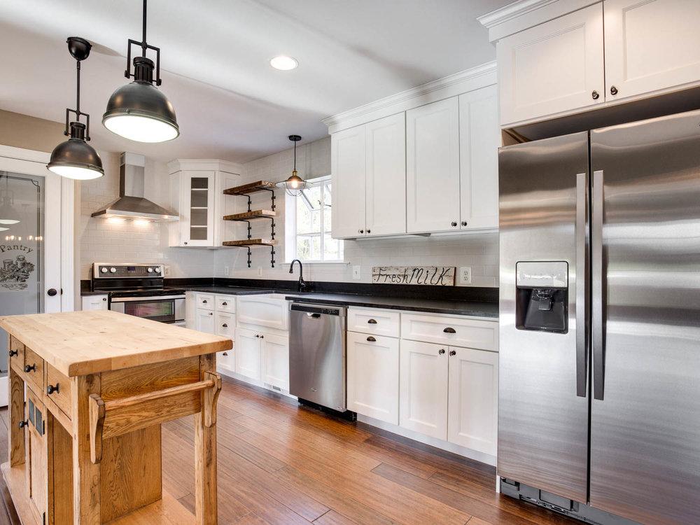 4740 Paul Hance Rd Huntingtown-MLS_Size-019-30-Kitchen-2048x1536-72dpi.jpg
