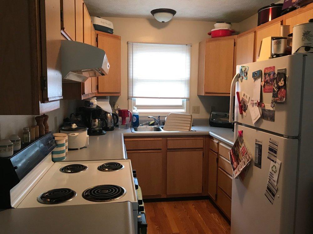 1510 kitchen_.jpg