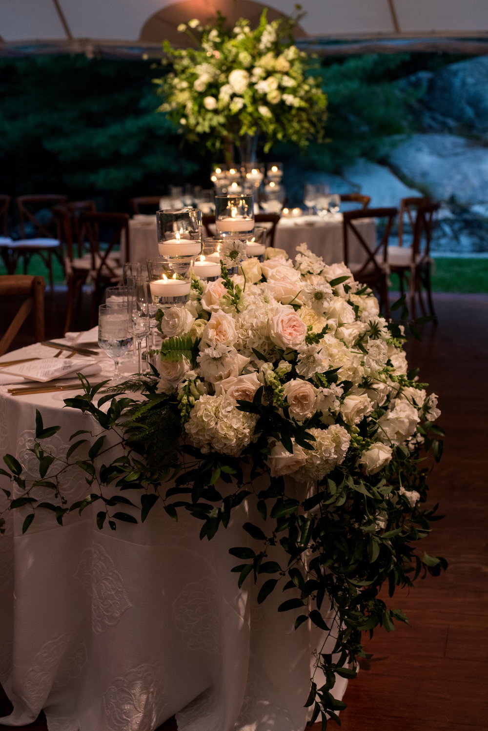 KATY-AND-TOM-HINGHAM-MASSACHUSETTS-WEDDING-DESTINATION-LUXURY-WEDDING-CATHOLIC-CHURCH-BACK-YARD-SPERRY-SAIL-CLOTH-TENT-COASTAL-CHIC-TIMELESS-ROMANTIC-FARM-TABLES-SWEATHEART-TABLE