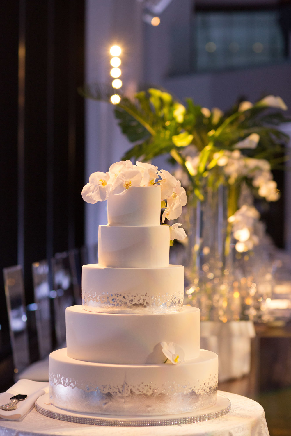 NEW-ENGLAND-WEDDING-PLANNER-BOSTON-STATE-ROOM-LUXURY-EVENT-CAKE--44.jpg
