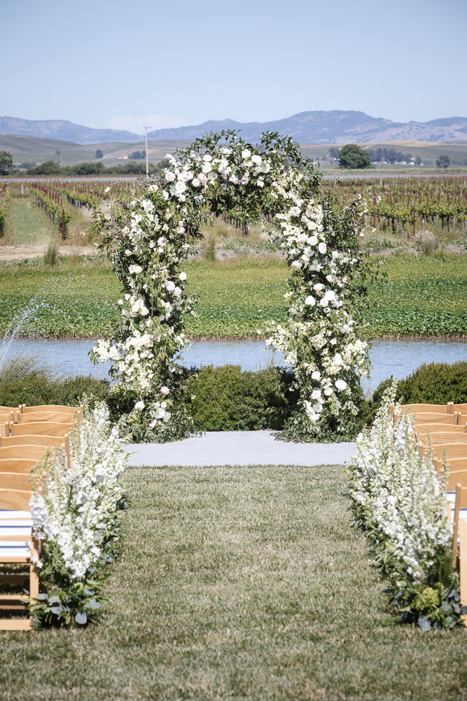 CALIFORNIA-WEDDING-PLANNER-SONOMA-NAPA-LUXURY-EVENT-FLOWER-ARCH-ARBOR-CEREMONY--10.jpg