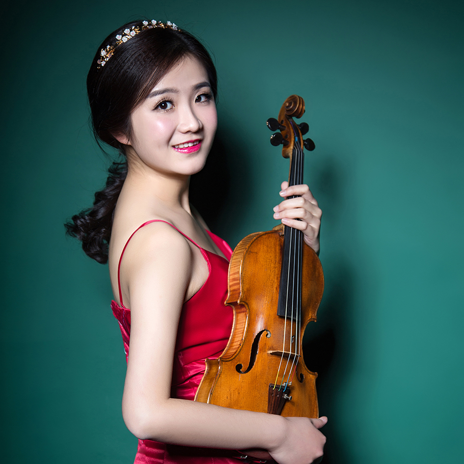 Xu Minjia - Chinese violinist Xu Minjia is a frequent prize winner, recent accomplishments include the third prize winner at the Chengdu Guangya Invitational Violin Competition, second prize at the Singapore National Piano and Violin Competition in 2013. First prize and the Best Performance of Chinese Works at the Western China Violin Junior Competition, Chengdu in 2002. Second prize at the 6th China National Violin Junior Competition, Xiamen in 2004. She appeared as a soloist with Metropolitan Festival Orchestra,Sichuan Conservatory of Music Philharmonic Orchestra and Sichuan Philharmonic Orchestra. She has worked with esteemed conductors such as Chan Tze Law, Qiyuan Zhu, and Chao Xiao.Born in 1994, China. Minjia is currently studying with Prof Ayano Ninomiya at New England Conservatory of Music in United States. She received her first violin studied at the age of five. She graduated from Yong Siew Toh Conservatory of Music in Singapore where she studied under Prof Qian Zhou. Minjia's first solo recital was held in her hometown Emei in 2008. Followed by her graduation recital in Sichuan Conservatory of Music. Minjia participated many music festivals worldwide include the Heifetz International Institute, Virginia in 2017 Singapore Violin Festival, Singapore in 2016; International Holland Music Sessions, Holland in 2015; Interharmony International Music Festival, Italy in 2014 and Keshet Eilon International Violin and String Mastercourse, Israel in 2013. Where she had master classes with Professor Victor Danchenko, Petru Munteanu, Hyo Kang, Takashi Shimizu, Lee Sung-ju, Krzysztof Wegrzyn, Alexander Trostiansky, Kim Namyun, Shmuel Ashikenasi, Lin Cho-Liang, Dima Tkachenko, Kurt Sassmannshaus, Ani Schnarch, David takeno, Hu Kun, Yuri Gandelsma, Tanja Becker- Bender and Ning Feng.Minjia plays a 1827 Postacchini, Andrea on generous loan from the Rin Collection.