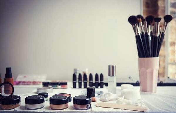 Makeup Lessons -