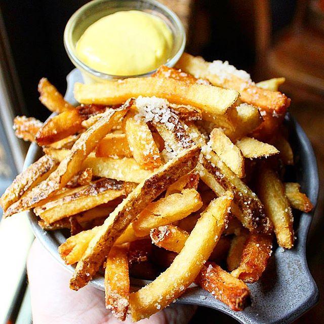 It's always Fry-Day! • • • • • #burger #burgerlove #burgermania #cheese #cheesefries #chickensandwich #frenchfries🍟 #fries #frenchfries #burger #burgerandfries #burgermania #burgers #cheeseburger #cheesefries #doublecheeseburger #frenchfries #fries #eaterla #eatthis #feedfeed #foodpicsbruh #foodpornshare #grubbin #hamburgers #moodforfood #timetoeat #fryday