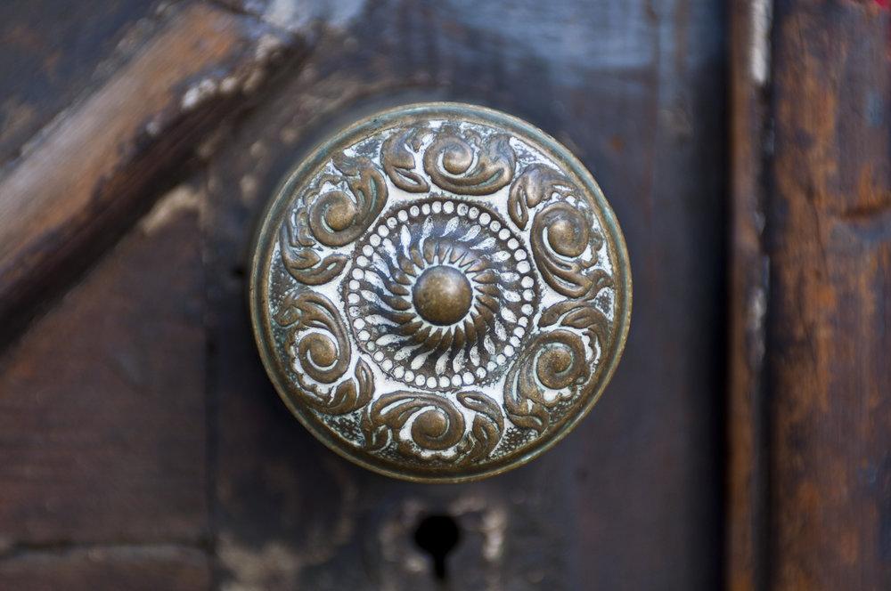 DOOR KNOB.jpg