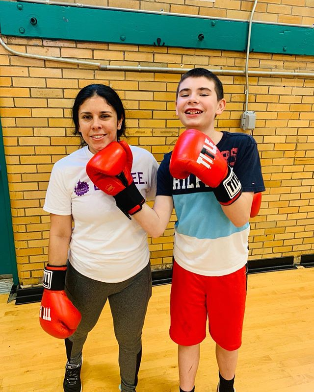 💪🏾🥊 Such a fun time this morning at Emerald Academy with @fitnessstudio111. Engaging both parents and students in physical activity is a great way to kick off the weekend. Huge thank you to the EA family and boot camp leaders, Stephanie and Rod! . . #ncbwknox #nc100bwinc #workout #motivation #fitness #healthykids #knoxville #emeraldacademy