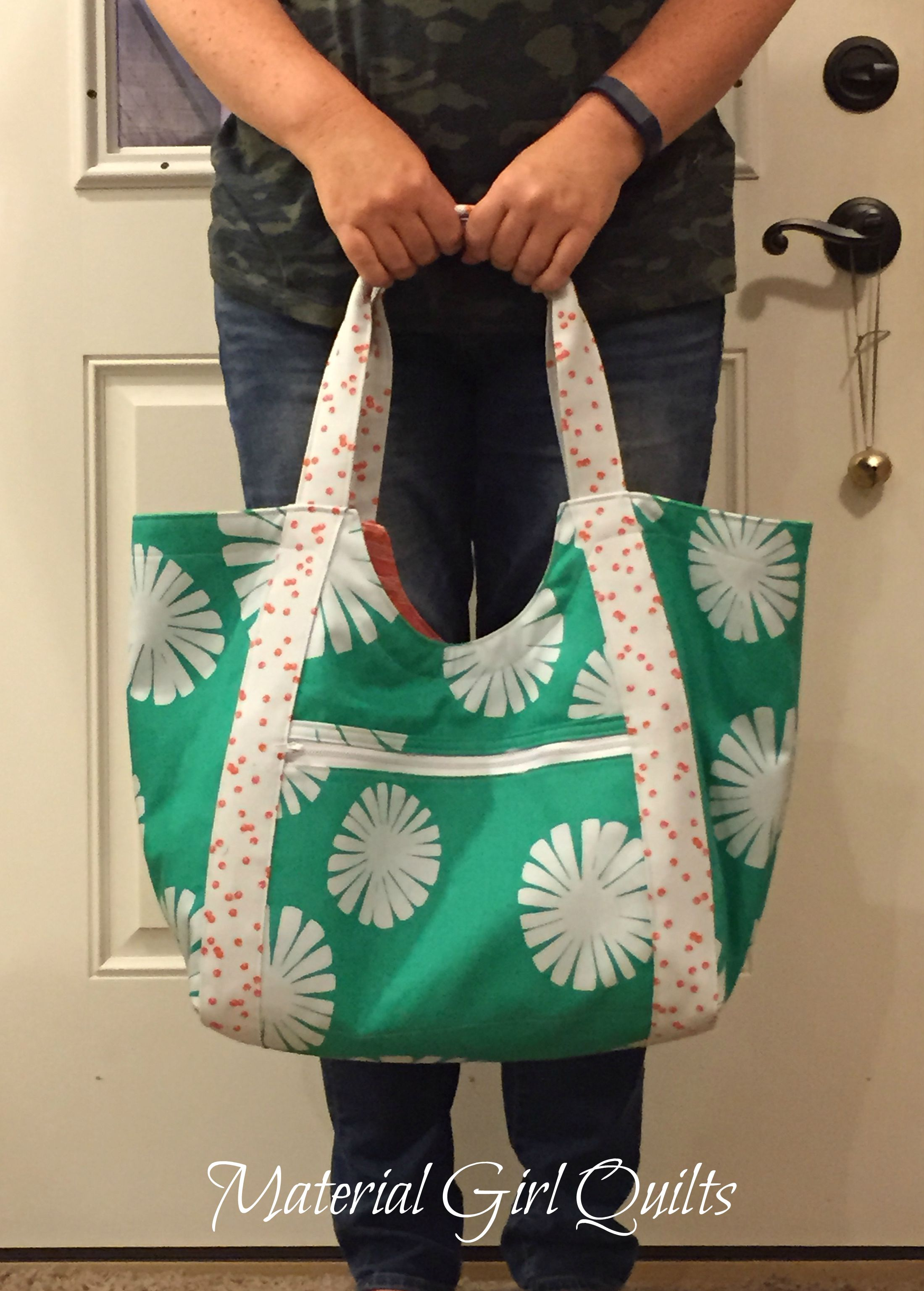 Poolside tote size