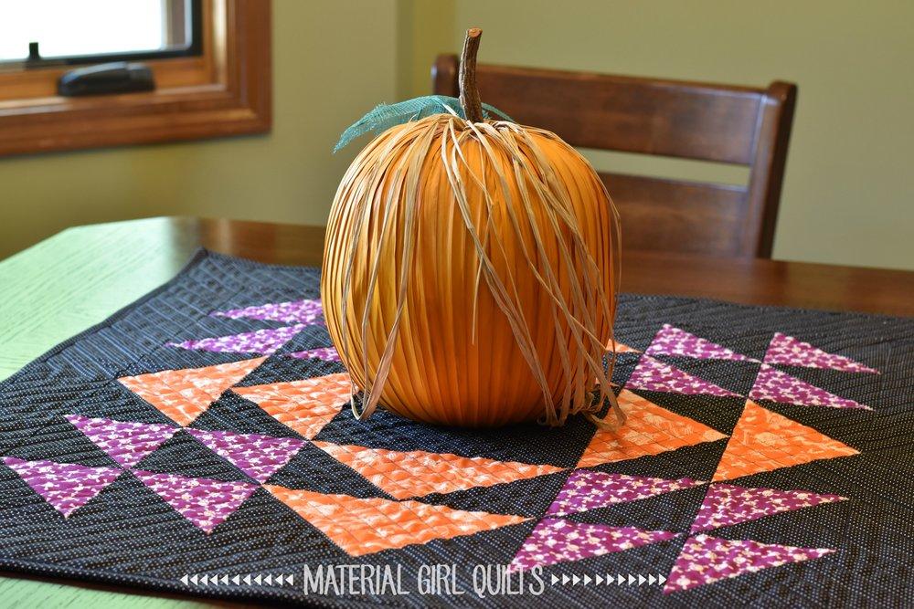 homespun-halloween-on-table.jpg