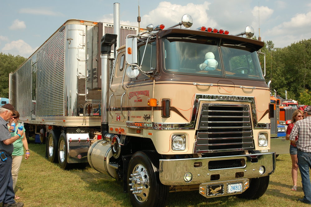 An International Transtar Eagle was used as Jumbo's rig in the filming of  Stinker Lets Loose!