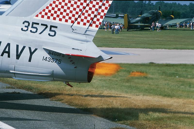 FJ-4 Fury jet thrust
