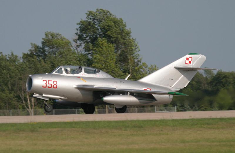 Mikoyan-Gurevich MiG-15 landing