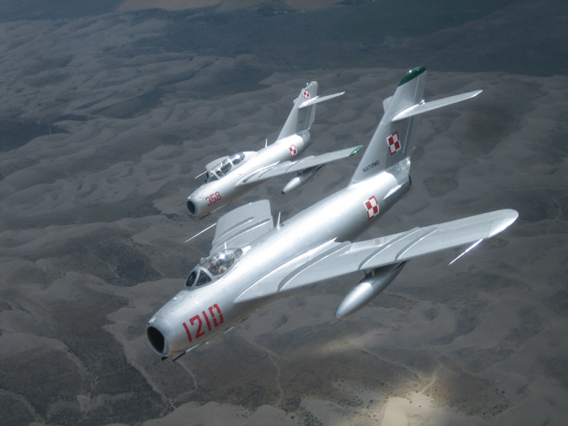 Mikoyan-Gurevich MiG-17 with Mig-15 in flight