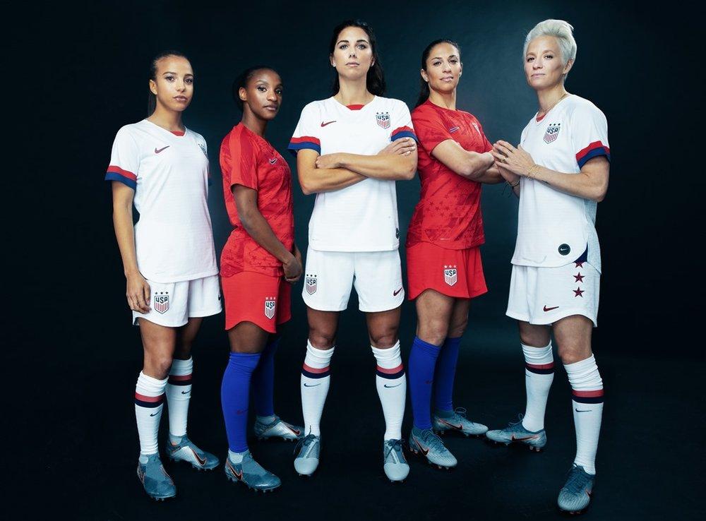 2019 WNT USA World Cup kit Pugh Dunn Morgan Lloyd Rapinoe.jpg