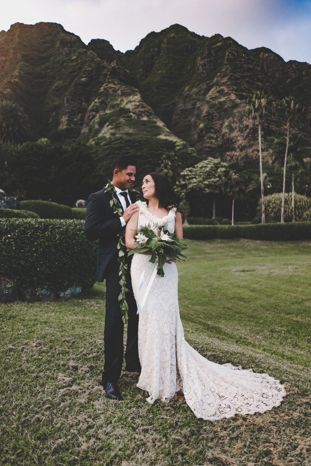 Hawaii wedding photography at Kualoa Ranch