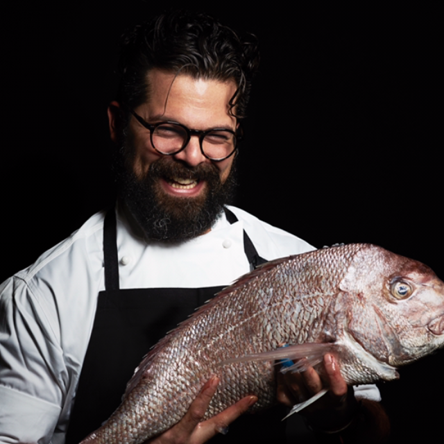 Alejandro-and-a-snapper.-Photo-by-Kristoffer-Paulsen.png