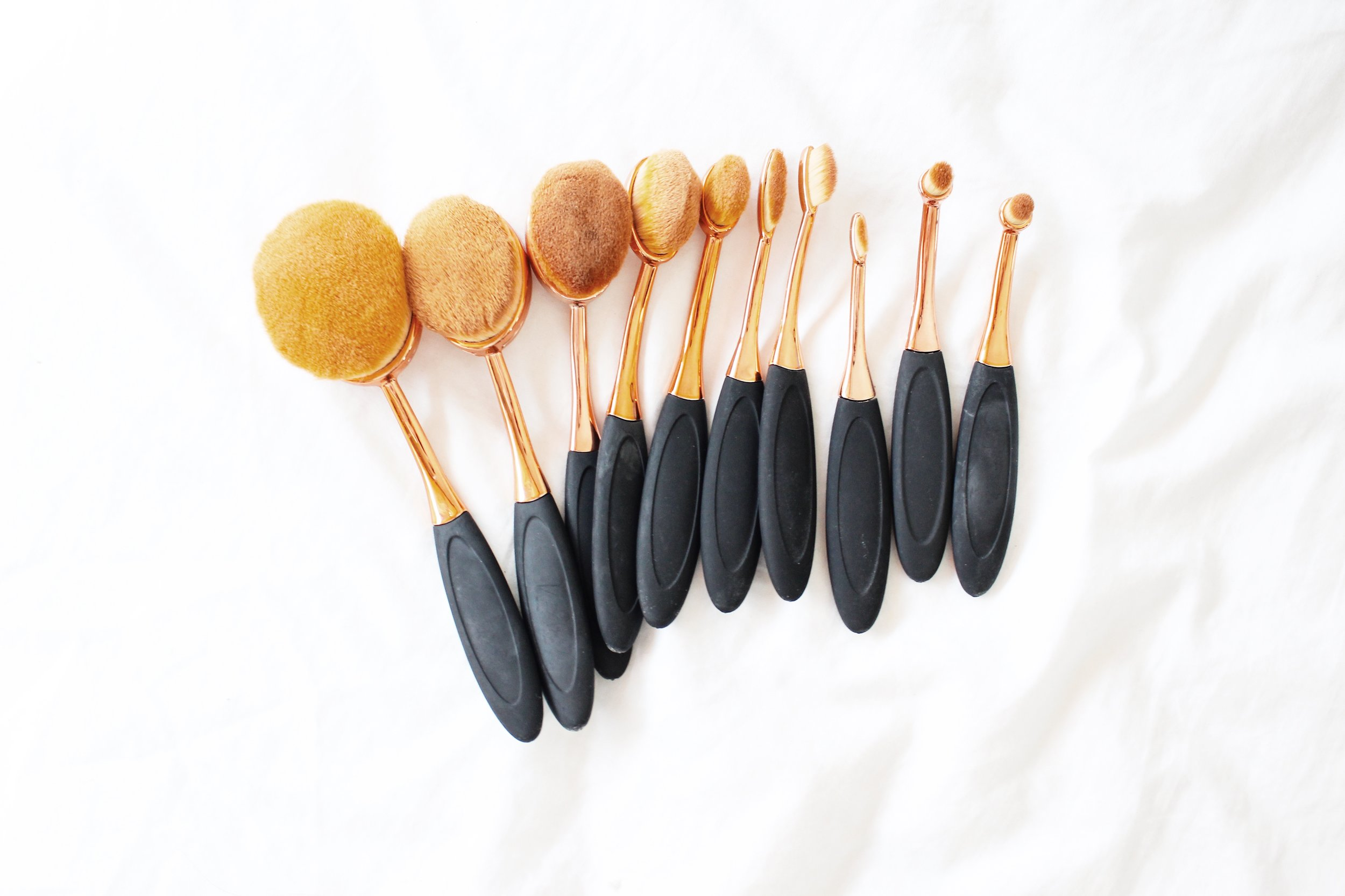 simple glam girls oval brushes