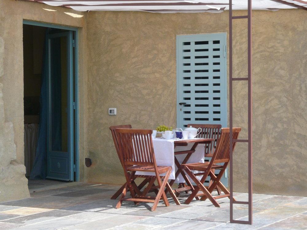 farnina outdoor dining.jpg