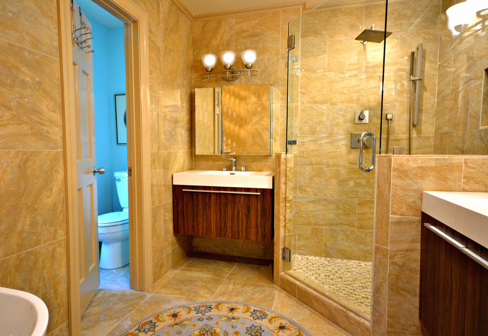 Luxury Ensuite Master Bath with Tub