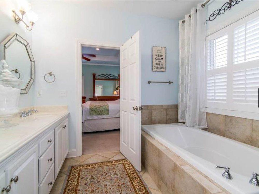 Master bath right tub.jpg