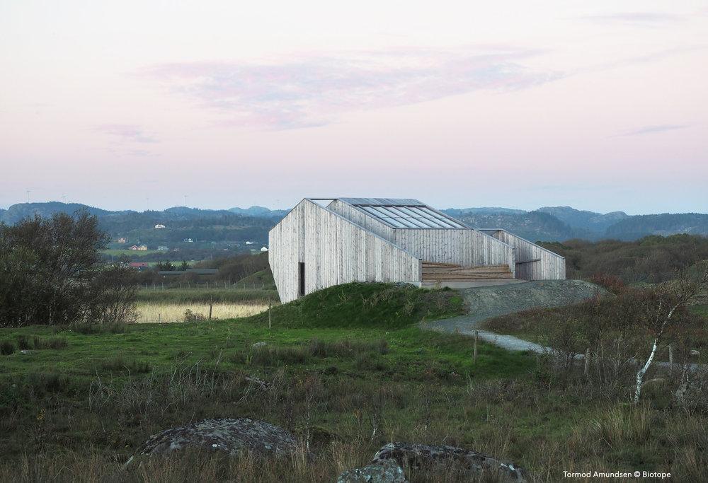 Lista outdoor amphitheater © Biotope