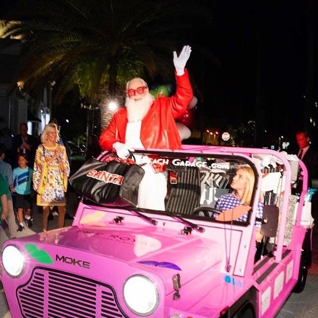 Santa's new sled  #moke #mokeamerica #santa #electric #cruiser