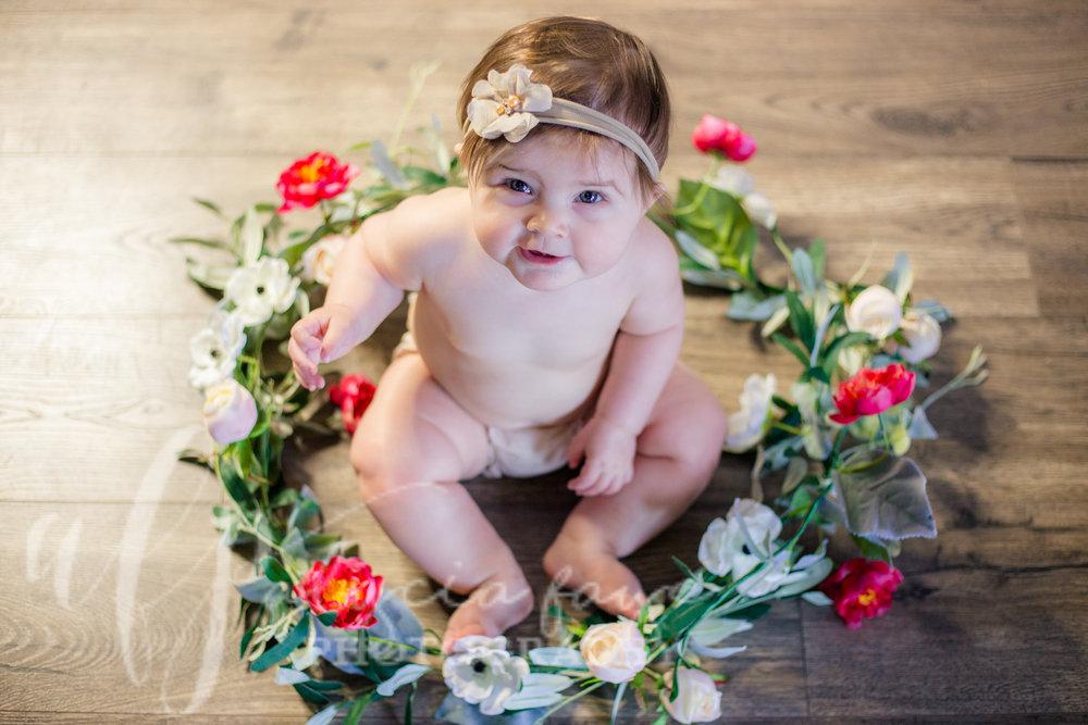 6-month-old-girl-studio-mound-minnesota-alycia-faye-photography-1.JPG