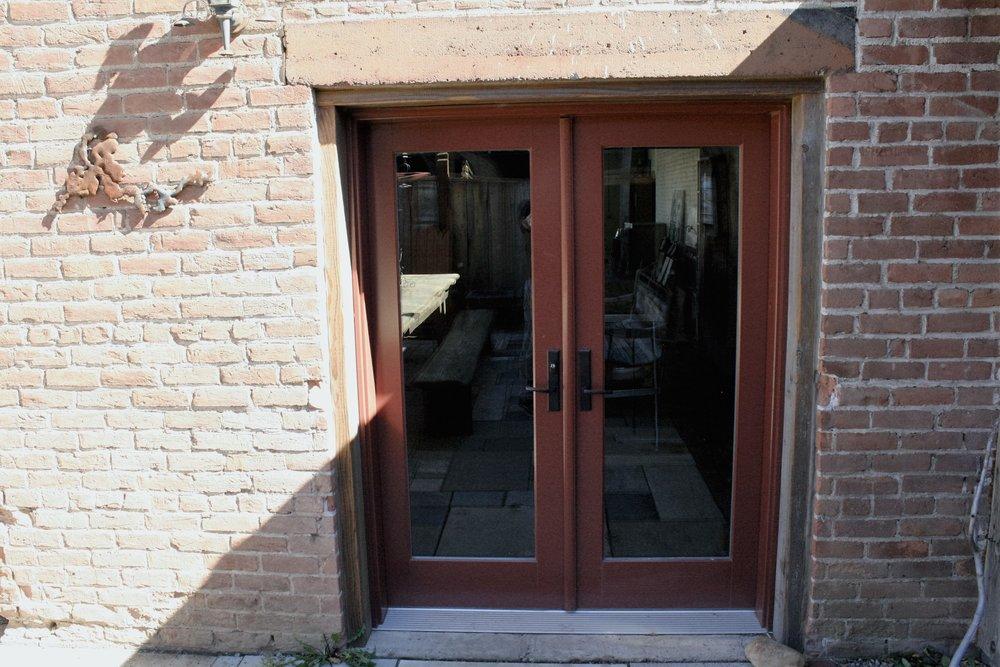 Exterior commercial door with 2x6 trim
