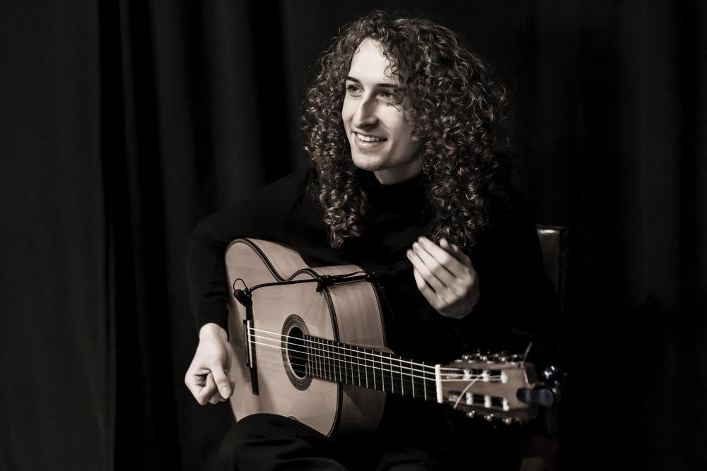 Gitarist 2 300dpi.jpg