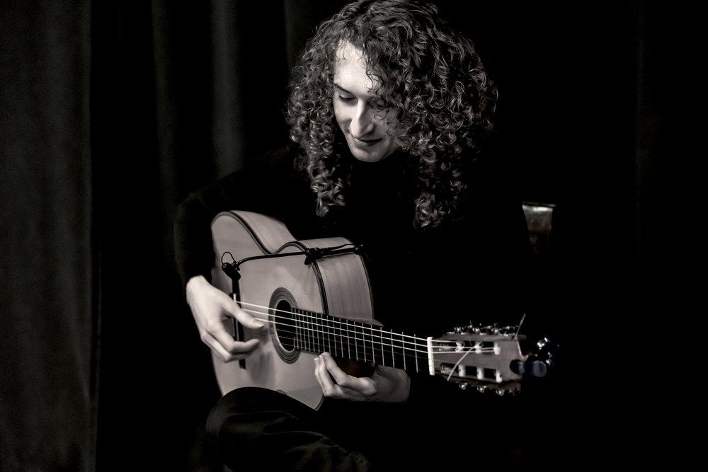 Gitarist 300dpi.jpg