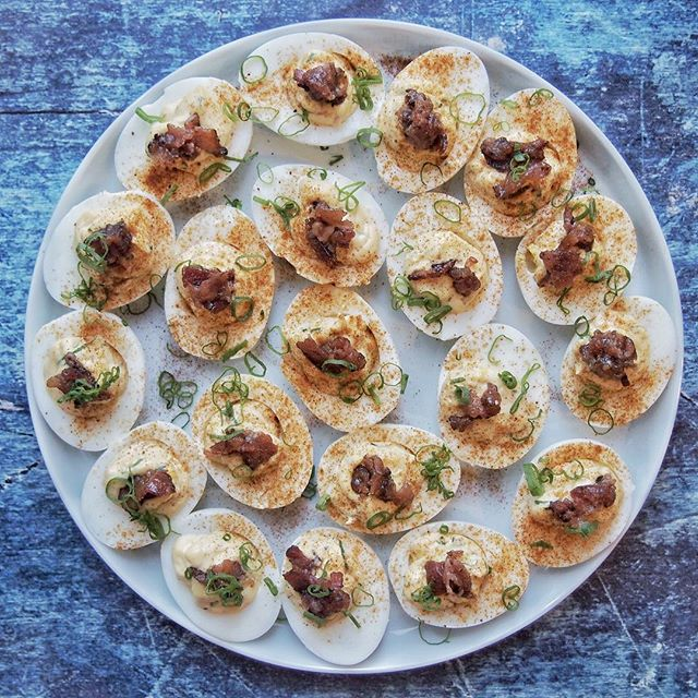 😈🥚Deviled eggs are the perfect snack to serve and eat for your next gathering! Whether that is for 🏀March Madness or 🐰Easter, serve this delicious recipe with candied bacon and watch them disappear🧙🏼♀️✨ YUM! 👊Pound the link in bio to get the full recipe! 👇  @wonderfullynormal   #wonderfullynormal